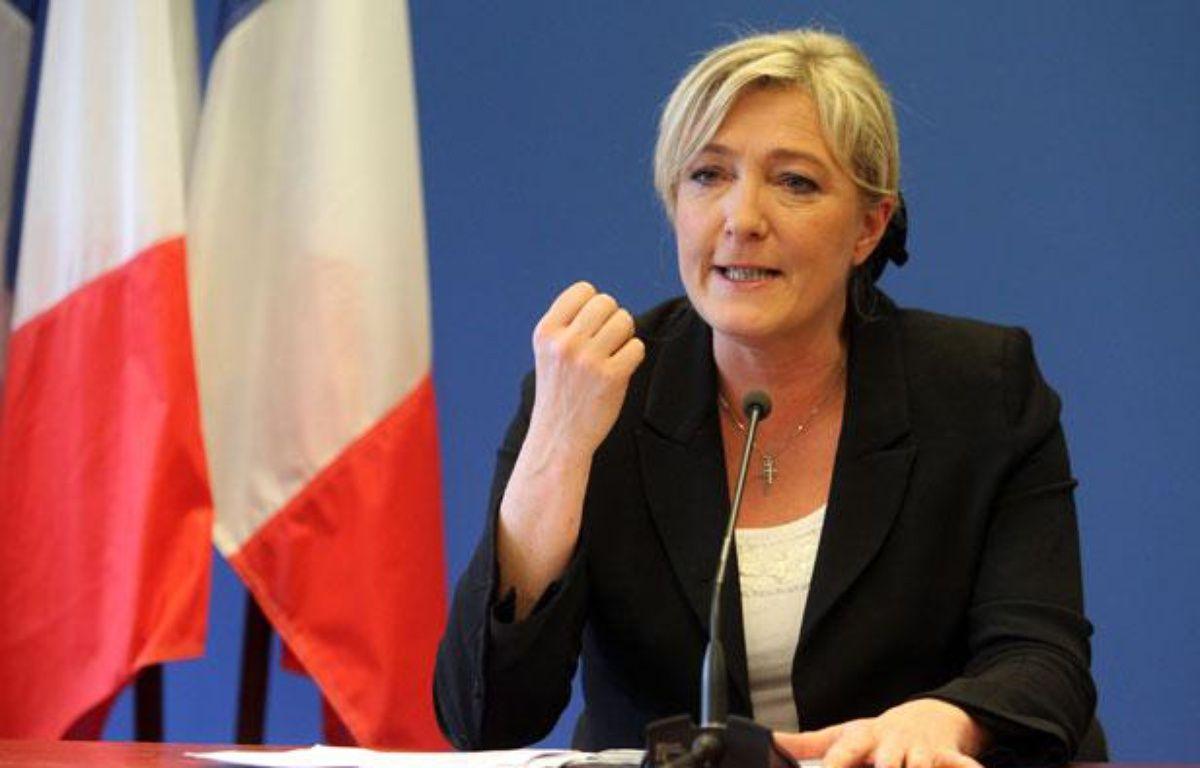 Marine Le Pen à Nanterre (Hauts-de-Seine), le 10 avril 2012. – CHESNOT/SIPA