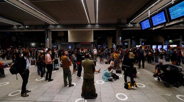 Gare Montparnasse: Des vacanciers «fatigués» mais «compréhensifs» après les retards et annulations de trains