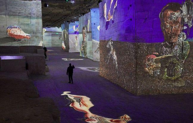 Aux Baux de Provence, un son et lumière consacré à Dali à couper le souffle.