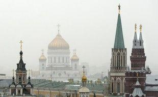 Vue de Moscou prise le 31 mars 2015 montrant la cathédrale du Christ sauveur