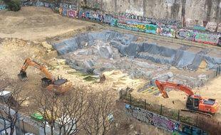 Les pelleteuses ont commencé à détruire une partie des vestiges non classés.