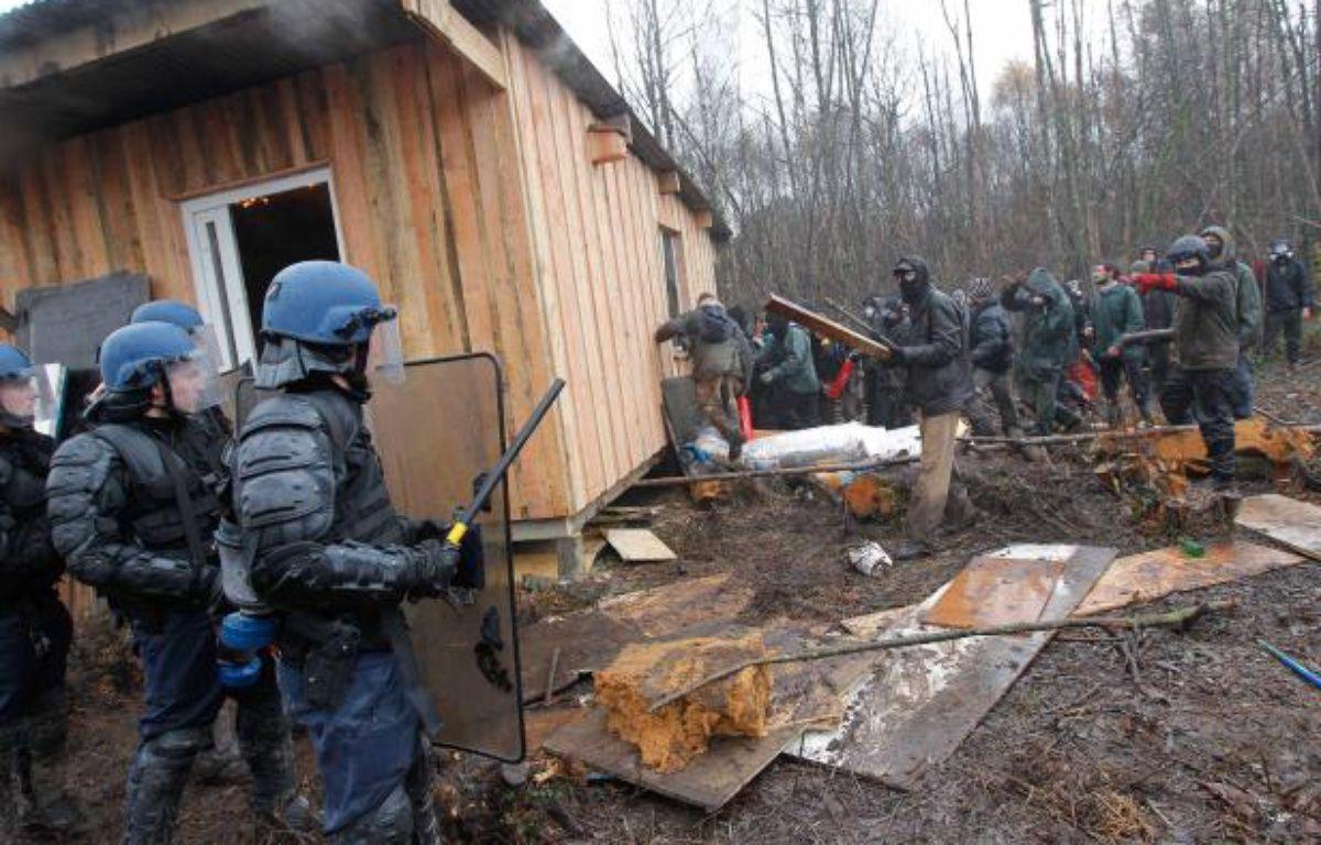 Affrontements entre les manifestants et les forces de l'ordre à Notre-Dame-des-Landes le 23 novembre 2012 – Fabrice Elsner/20minutes