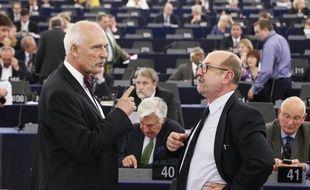 Le député polonais Janusz Korwin-Mikke est coutumier des scandales au Parlement européen. Il a estimé le 1er mars 2017 que les femmes devaient logiquement être moins payées que les hommes.