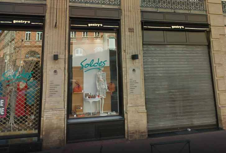 toulouse des ados m nent un raid sur un magasin chic du centre ville. Black Bedroom Furniture Sets. Home Design Ideas