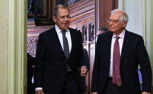 Le ministre russe des Affaires étrangères, Sergei Lavrov (à gauche), et le chef de la diplomatie de l'Union européenne, Josep Borrell, à Moscou le 5 février 2020.
