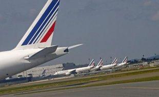 Air France a dénoncé des accords d'entreprises à durée indéterminée régissant l'activité de ses hôtesses et stewards après le rejet d'un projet de gain de productivité, a-t-on appris lundi auprès de la direction et de syndicats, une dénonciation qui n'aura pas d'effet immédiat.