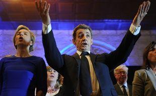 Nicolas Sarkozy en campagne à Rochefort pour l'entre-deux-tours des régionales, le 7 décembre 2015.
