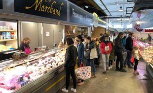 Dans les allées du marché de Talensac à Nantes.