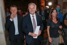 Jean-Luc Moudenc, le 28 juin 2020, au soir de sa réélection, sur la place du Capitole.