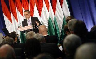 Le gouvernement hongrois a annoncé vendredi une série de nouvelles mesures d'austérité afin de maintenir le déficit public sous la barre des 3% du Produit intérieur brut (PIB) et reconnu pour la première fois que le pays serait en récession cette année.