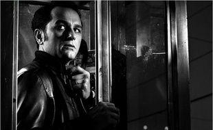 L'acteur Mathew Rhys dans le rôle de Philipp Jennings, un agent du KGB infiltré aux Etats-Unis, dans la série The Americans.