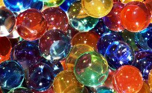 Des perles d'eau décoratives (illustration).