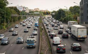 Le 23 juillet 2018, à Paris. Un embouteillage sur le boulevard périphérique parisien.