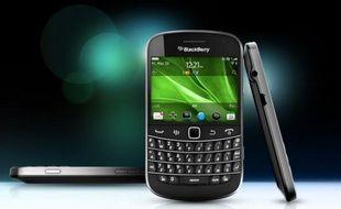 Le BlackBerry Bold 9900.