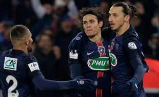 Zlatan Ibrahimovic et Edinson Cavani fêtent un but contre Toulouse le 19 janvier 2016.