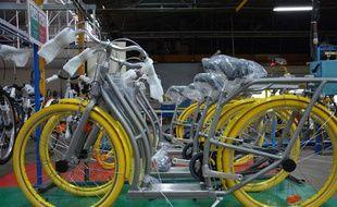 Le vélo Pibal de Starck sur la chaîne de montage du fabricant Peugeot