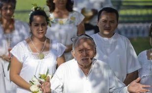 Si la civilisation maya a été l'une des cultures les plus riches et éclairées d'Amérique, ses descendants en Amérique centrale et au Mexique sont aujourd'hui discriminés, exploités, et en proie à la misère. Au Guatemala, où presque la moitié de la population est indigène, ils ont même été victimes de génocide.