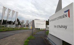 PSA Peugeot Citroën a repoussé au printemps 2014 les échéances permettant aux salariés de quitter l'entreprise sur la base du volontariat, notamment sur le site d'Aulnay-sous-Bois, ont indiqué jeudi la direction et des syndicats à l'issue d'un Comité central d'entreprise.