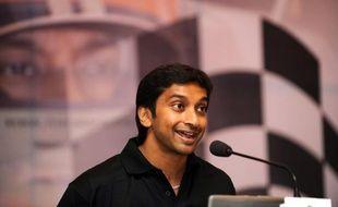 L'Indien Narain Karthikeyan, 35 ans, pilotera en 2012 pour l'écurie de Formule 1 HRT (ex-Hispania) avec laquelle il avait disputé en fin de saison dernière le Grand Prix d'Inde, a annoncé vendredi l'écurie espagnole de Formule 1 dans un communiqué.