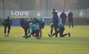 Julien Sablé, ici à droite lors de sa première séance d'entraînement avec son groupe mercredi après-midi à L'Etrat.