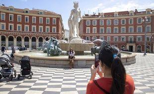 Sur la place Masséna, à Nice, le 3 mai 2021