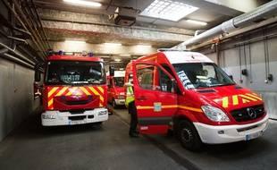 Un sapeur-pompier de Paris, pompier volontaire en Savoie, est décédé en se rendant sur une intervention en Savoie, mercredi.