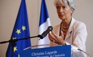 Le PIB français a reculé au deuxième trimestre pour la première fois depuis fin 2002, conséquence du ralentissement économique mondial, ce qui met à mal les prévisions de croissance du gouvernement et alimente les craintes d'une récession.