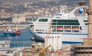 Un navire de l'ex-SNCM à quai dans le port de Marseille (Illustration).