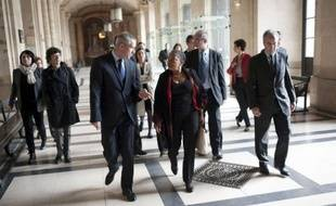 Le vent du changement a soufflé dimanche au palais de justice de Paris où, guidée par un Pierre Joxe vêtu de sa robe d'avocat, la nouvelle garde des Sceaux, Christiane Taubira, a rendu visite aux services de la justice des mineurs.
