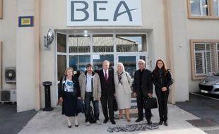 """Les associations des victimes du vol Rio-Paris ont fait part mardi de leur """"déception"""" à l'issue d'une réunion au Bourget avec le Bureau d'enquête et d'analyses (BEA) sur l'évolution des recommandations émises par l'organisme."""