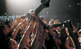 Qu'est-ce qu'un bon public? Un public qui sait arrêter d'applaudir quand la nécessité s'en fait sentir.