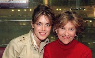 Julie Andrieu et sa mère, Nicole Courcel, le 22 mai 2003.