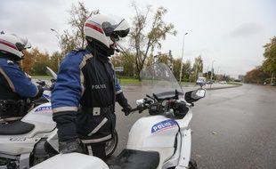 Des motards de la police nationale. Illustration