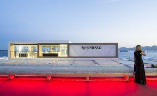 La plage Nespresso, vu de la Croisette