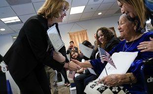 A 106 ans, la Salvadorienne Maria Valles Bonilla (à dr.) a été naturalisée américaine lors d'une cérémonie le 6 novembre 2018.