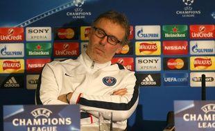 Laurent Blanc en conférence de presse le 8 mars 2016 à Stamford Bridge.