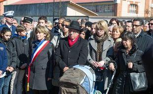 La famille d'Eden lors d'un hommage à Abel Chennouf, un an après le drame.