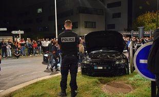 La police est intervenue vendredi soir sur le parking du Zénith de Nantes pour mettre fin à un rodéo sauvage.