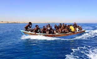 Environ 500 personnes ont été secourues sur quatre embarcations repérées à la dérive (illustration)