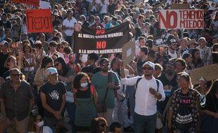 Des centaines de personnes ont manifesté à Madrid le dimanche 16 août contre le port du masque et les mesures contraignantes en Espagne contre le coronavirus.