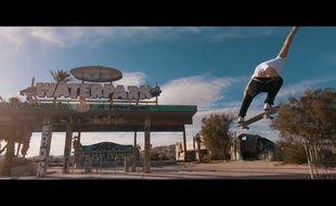 Le skateur Tom Erik Ryen dans «Waterpark», un parc aquatique abandonné entre Los Angeles et Las Vegas.