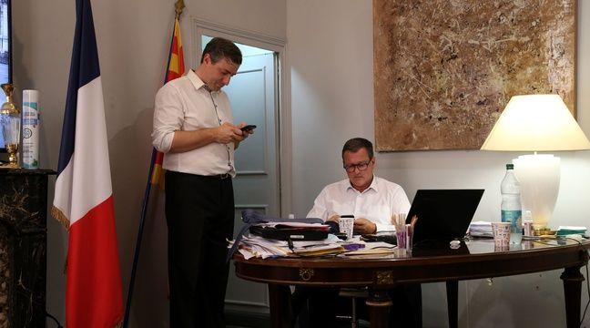 A peine élu maire, Louis Aliot fait voter l'augmentation de son indemnité