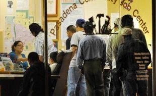 Les nouvelles inscriptions au chômage ont légèrement reculé aux Etats-Unis dans la deuxième semaine de septembre, selon des chiffres publiés jeudi à Washington par le département du Travail.
