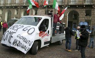 Des chauffeurs de taxi italiens manifestent contre Uber
