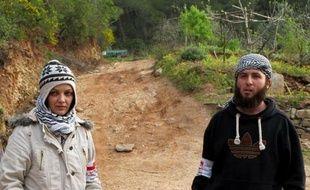 """""""Nous n'avions rien en commun. Il n'y a qu'une chose qui nous réunissait: la révolution contre le régime"""". Aujourd'hui, le combattant rebelle Assad al-Islam, épouse Laïla, jeune militante syro-macédonienne, dans une base rebelle des montagnes turkmènes."""