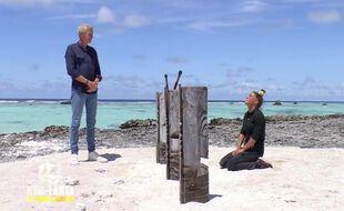 Lucie face à Denis Brogniart dans « Koh-Lanta : les armes secrètes »