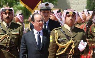 Le président français François Hollande lors d'une cérémonie officielle à Amman, le 19 avril 2016