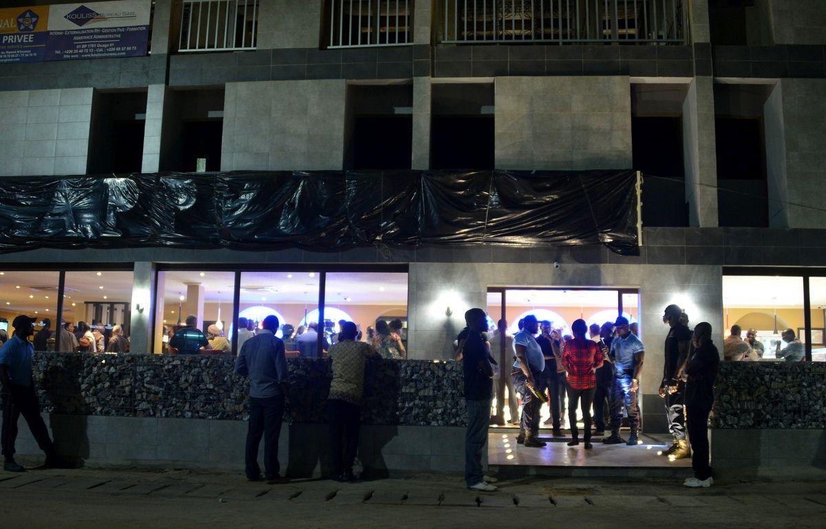 L'attaque a eu lieu à 200m du café-restaurant Cappuccino à Ouagadougou, cible d'une attaque djihadiste en janvier 2016, qui a rouvert le 10 juin 2017 (photo). – Ahmed OUOBA / AFP
