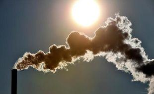 """Les élus s'engagent à """"consolider"""" le """"mouvement en faveur de la réduction des émissions des gaz à effet de serre et des polluants""""."""