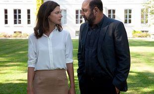 Anna Mouglalis (Amélie Dorendeu) et Kad Merad (Philippe Rickwaert) dans la saison 3 de « Baron Noir ».